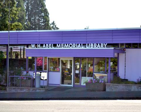 Exterior shot of the Montesano Timberland Library