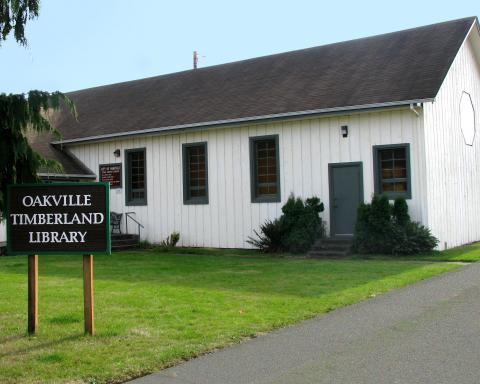 Exterior shot of the Oakville Timberland Library